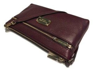 Michael Kors Jet Set Item Lg Wristlet in Merlot