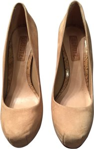 Shu Beige / Natural Pumps