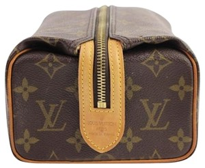 Louis Vuitton Cosmetic Case 4LVTY928 LVAV215