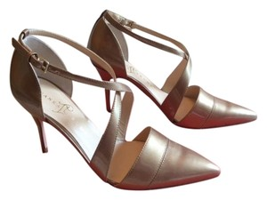 Ivanka Trump Elegant In Box New Natural Pumps