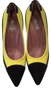 Prada Yellow and black Pumps