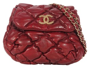 Chanel Burgundy Bubble Quilted Cc Ch.k0909.09 Cross Body Bag