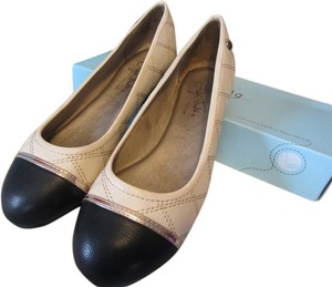 LifeStride Chanel Cream, Black & Gold Flats