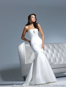 Faviana For David Tutera Emma B195 Diamond White Wedding Dress