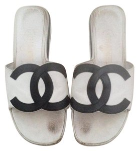 Chanel Cc Black and White Flats