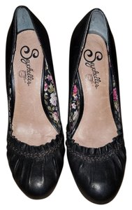 Seychelles Black Pumps