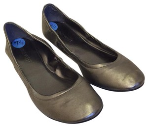 Nine West Metallic Pewter Flats