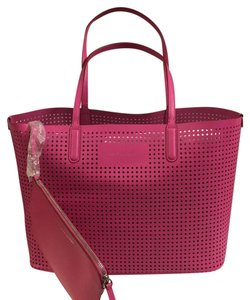 Marc by Marc Jacobs Tote in Fuchsia Pink