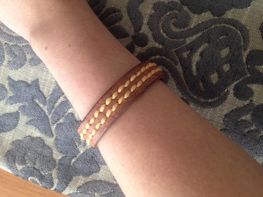 Old Navy Classic leather bracelet