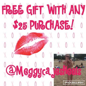 FREE GIFT WITH/ $25 PURCHASE!