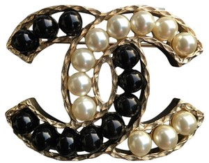 Chanel Chanel CC Black Pearl Brooch