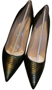 Manolo Blahnik deep color Pumps