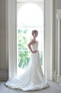 Val Stefani D7973 Wedding Dress