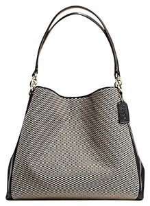 Coach Shoulder Bags - Up to 90% off at Tradesy d16d30da33db1