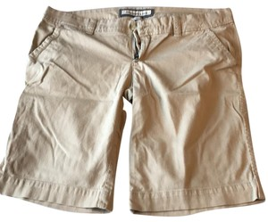 Abercrombie & Fitch Bermuda Shorts Tan