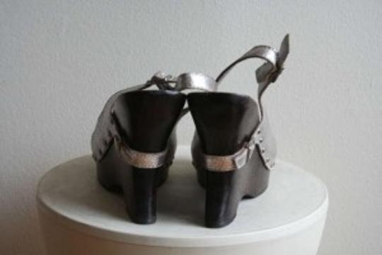 XOXO Silver/wood Wedges