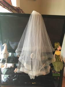 Bel Aire Bridal Custom Made 2 Tier-veil With Horsehair Edges(knee-length For A 5.2