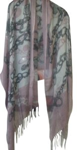 Luxurious dusty rose scarf with print