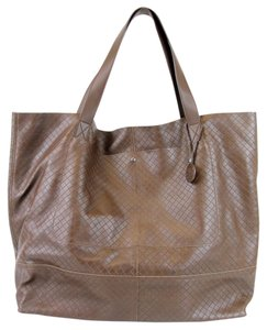 Bottega Veneta Large Intrecciomirage Travel Tote in Brown