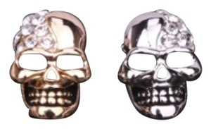 Vintage smooth skull stud earring