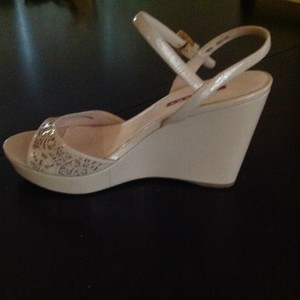 Prada cipria Wedges