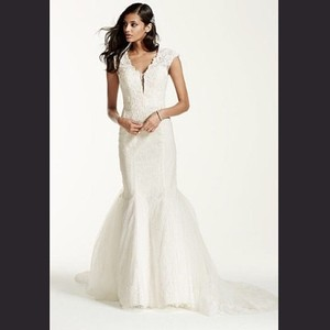 David's Bridal Galina Signature Wedding Dress
