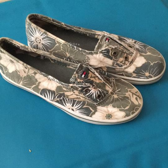 Tommy Hilfiger Khaki green/tan with hibiscus flowers Flats Image 1