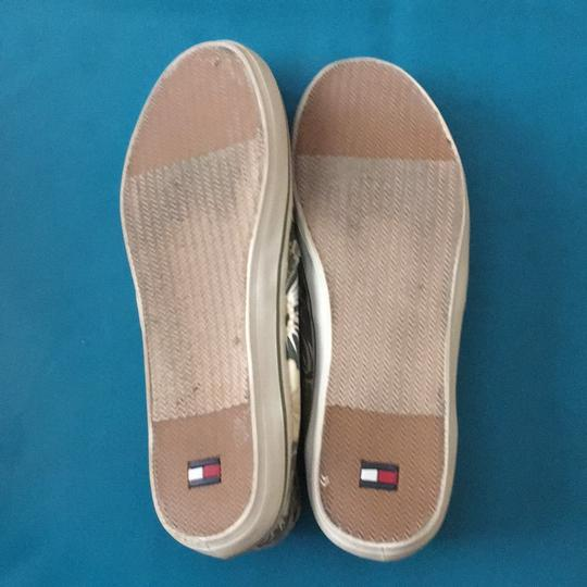 Tommy Hilfiger Khaki green/tan with hibiscus flowers Flats Image 4