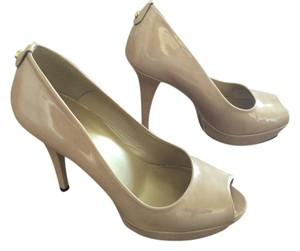 Stuart Weitzman Stilleto Nude patent leather peep toe Pumps