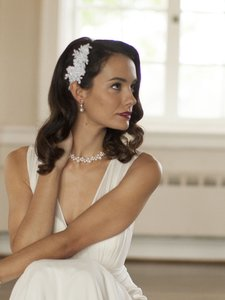 Mariell White Top Selling Beaded Lace Applique Comb Hair Accessory