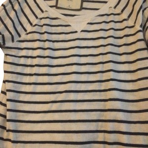 Abercrombie & Fitch T Shirt White and Blue