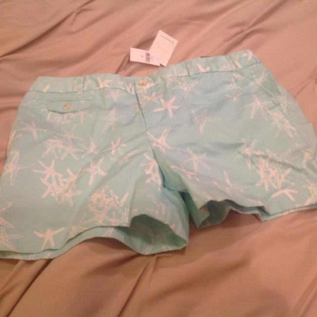 Item - Light Aqua Green with White Accents Starfish Pattern. Tags. Shorts Size 12 (L, 32, 33)