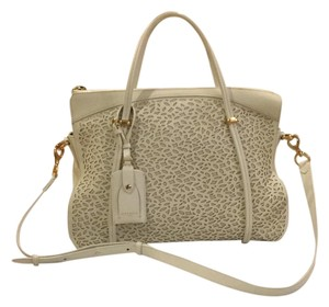 2a16aadbf0 Nina Ricci Bags - 70% - 90% off at Tradesy