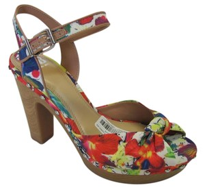Gianni Bini Brand New Size 10.00 M Red, Blue, Yellow, Green, White Platforms