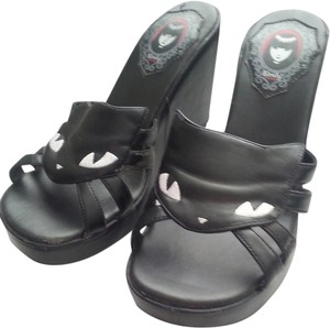 T.U.K Emily The Strange Cat Cat Cat Emily The Strange Hot Topic Casual Casual Sandals Sandals Black Wedges