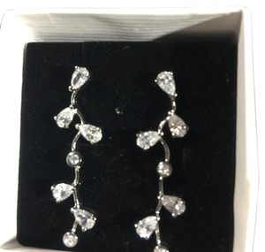 BRIDAL ACCESSORIES New Sterling Silver Rhinestone Drop Earrings