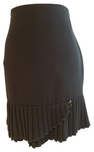 Size 6 Pleated Skirt Black