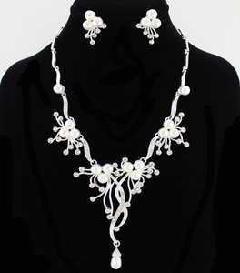 Pearl And Rhinestone Necklace/earring Set