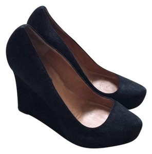Ann Taylor Black suede Wedges