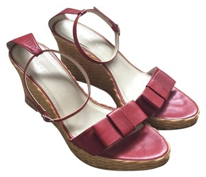 A. Giannetti Red, neutral Wedges