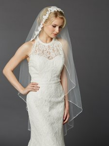 Mariell Ivory Medium Semi Waltz Ballet Length One Tier with Beaded Lace Top 4420v-i Bridal Veil