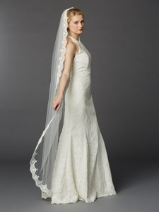 Mariell Floor Or Chapel Length Mantilla Lace Bridal Veil 3325v-i