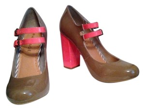 Rampage Coral And Brown Pumps