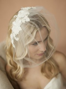 Mariell Double Flower Ivory Lace Applique On Handmade Tulle Birdcage Blusher Veil 4100v-i