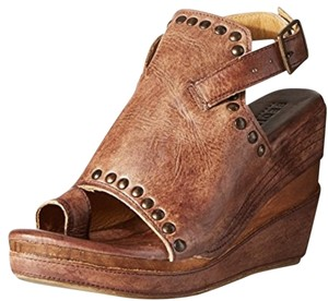 Bed|Stü Leather Studded Brown Wedges