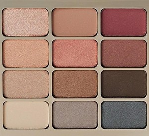 Stila Stila Eyes Are the Window Shadow Palette SPIRIT NEW