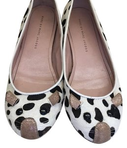 Marc Jacobs Black & white Flats