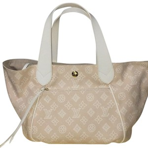 Louis Vuitton Beach Bags - Up to 90% off at Tradesy