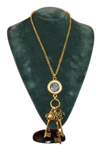 Joan Rivers Medallion Fleur de les', Faux Pearl, Filligree, 3 Keys Gold Tone Neck