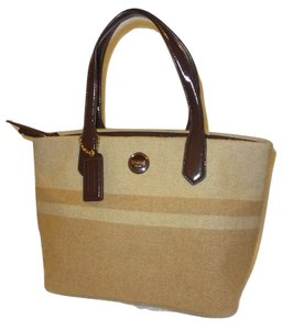Coach Tote in Beige/Tan/Brown